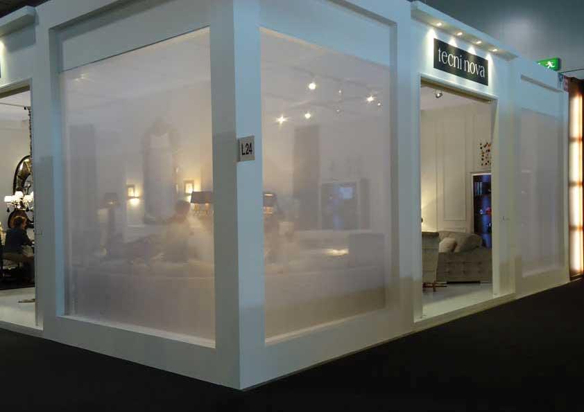 Salone del Mobile - Rivestimento pareti in tulle trasparente