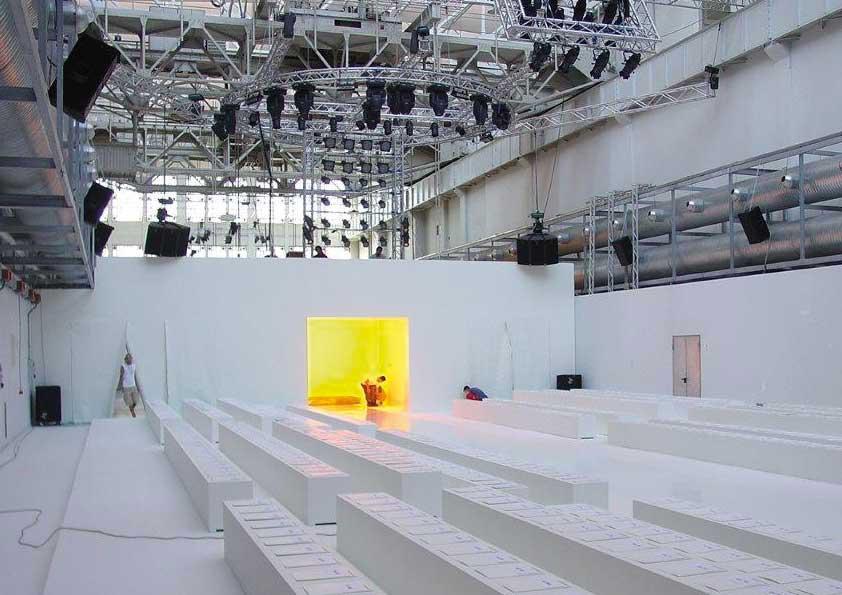 Sfilate Moda Milano - rivestimento quinte, pareti, pavimento e sedute